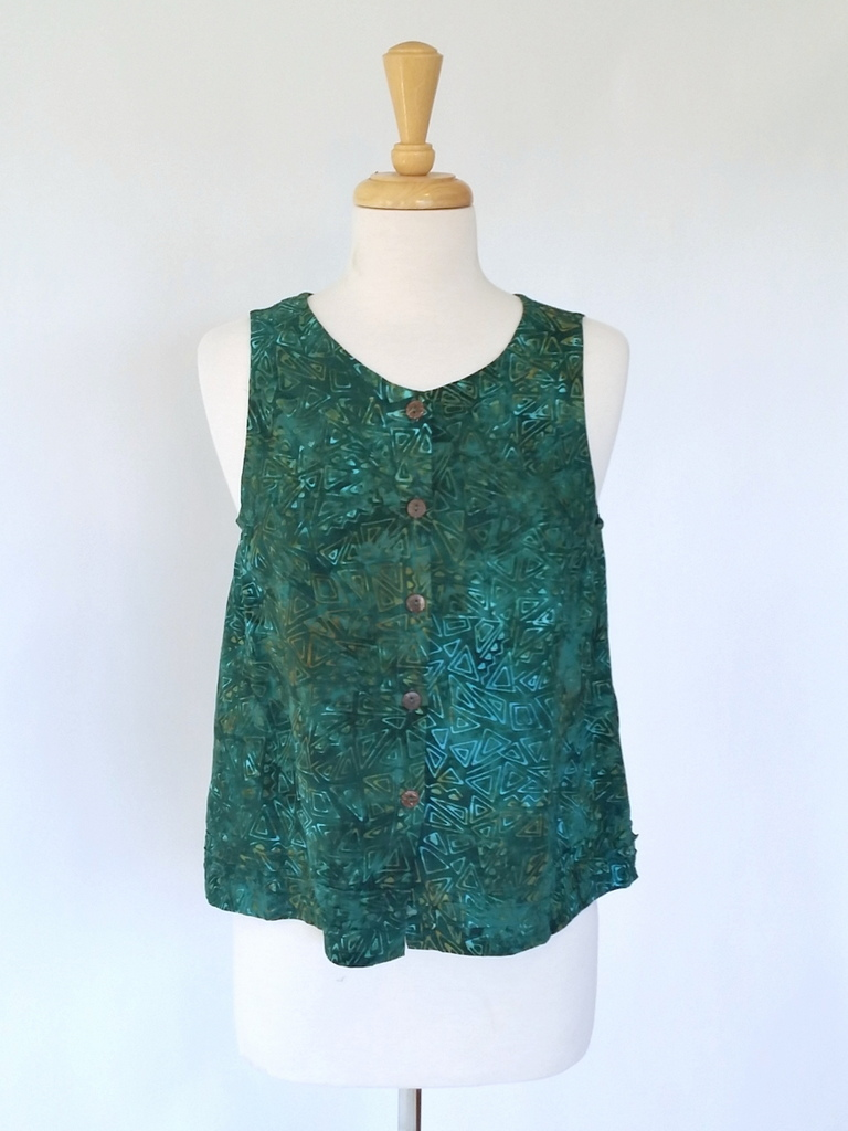 Aurelia Top in Green Pyramid