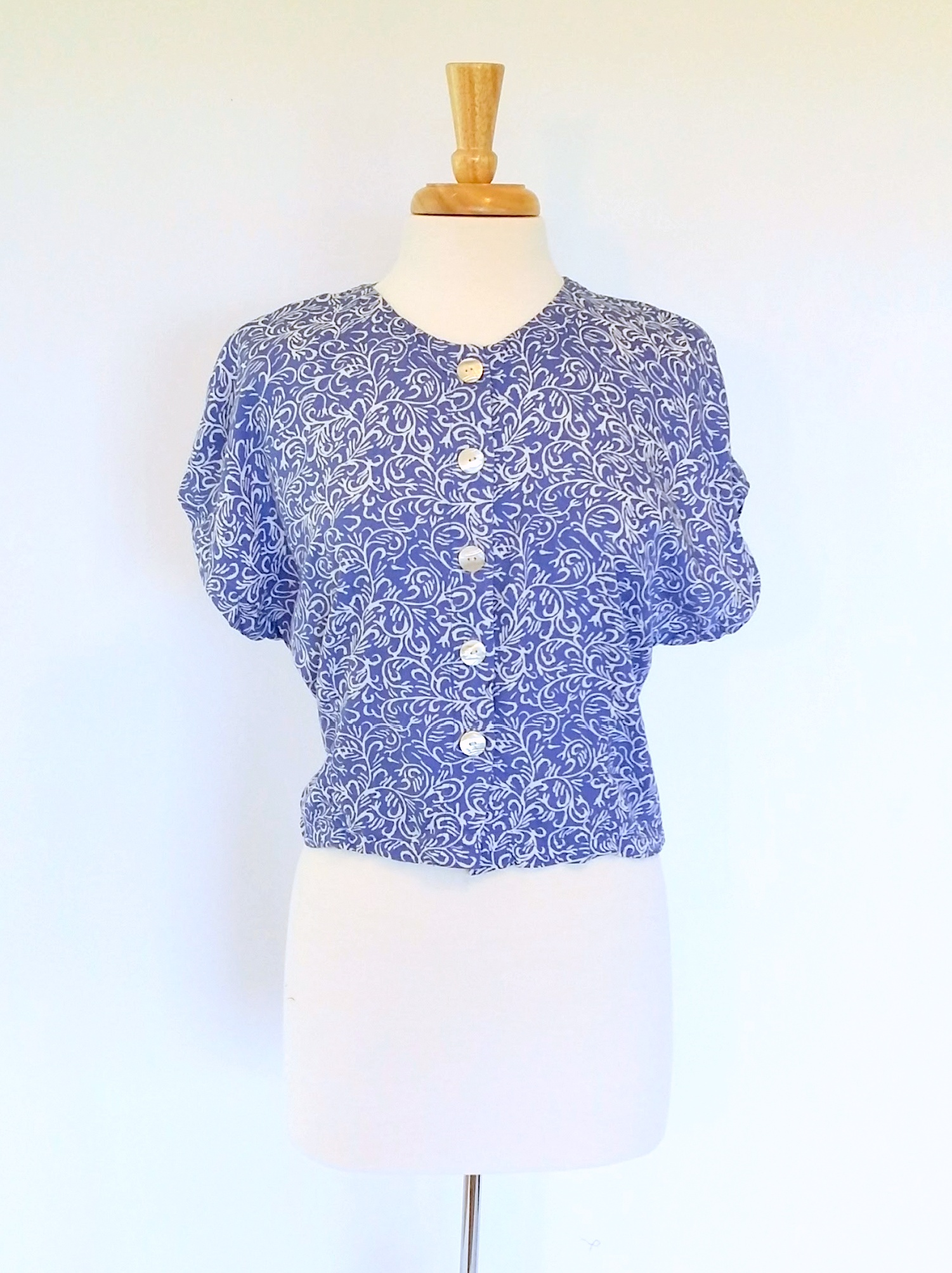Button Top in Blue Flores