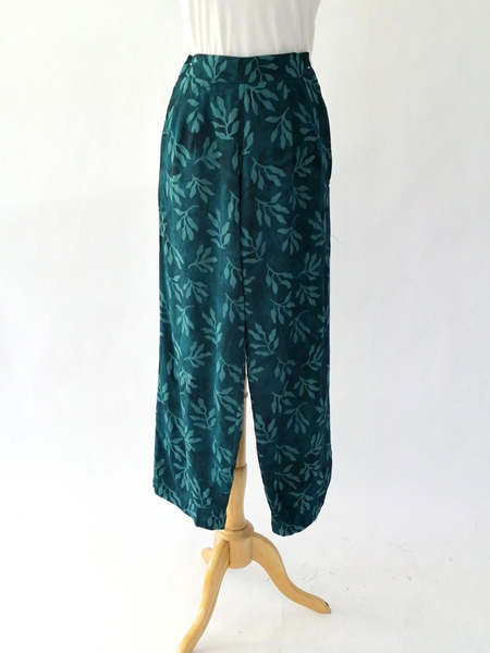 Break Pant in Teal Leaf