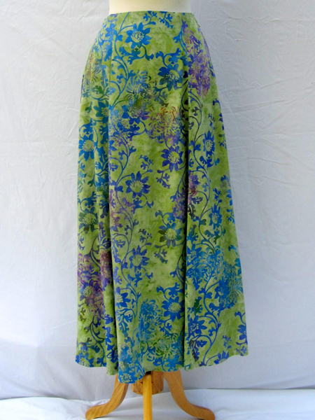Long Flair Skirt in Summer Garden