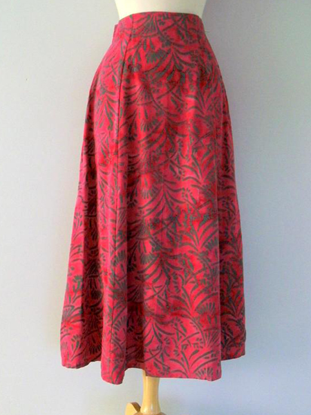 Long Flair Skirt in Fuchsia Reed